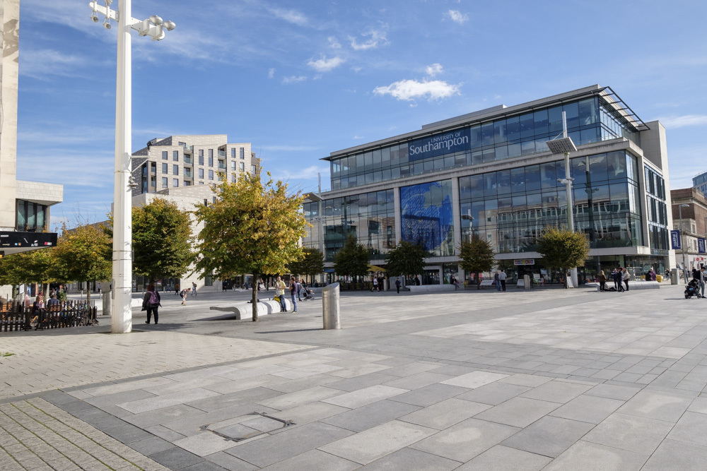 Guildhall square 29