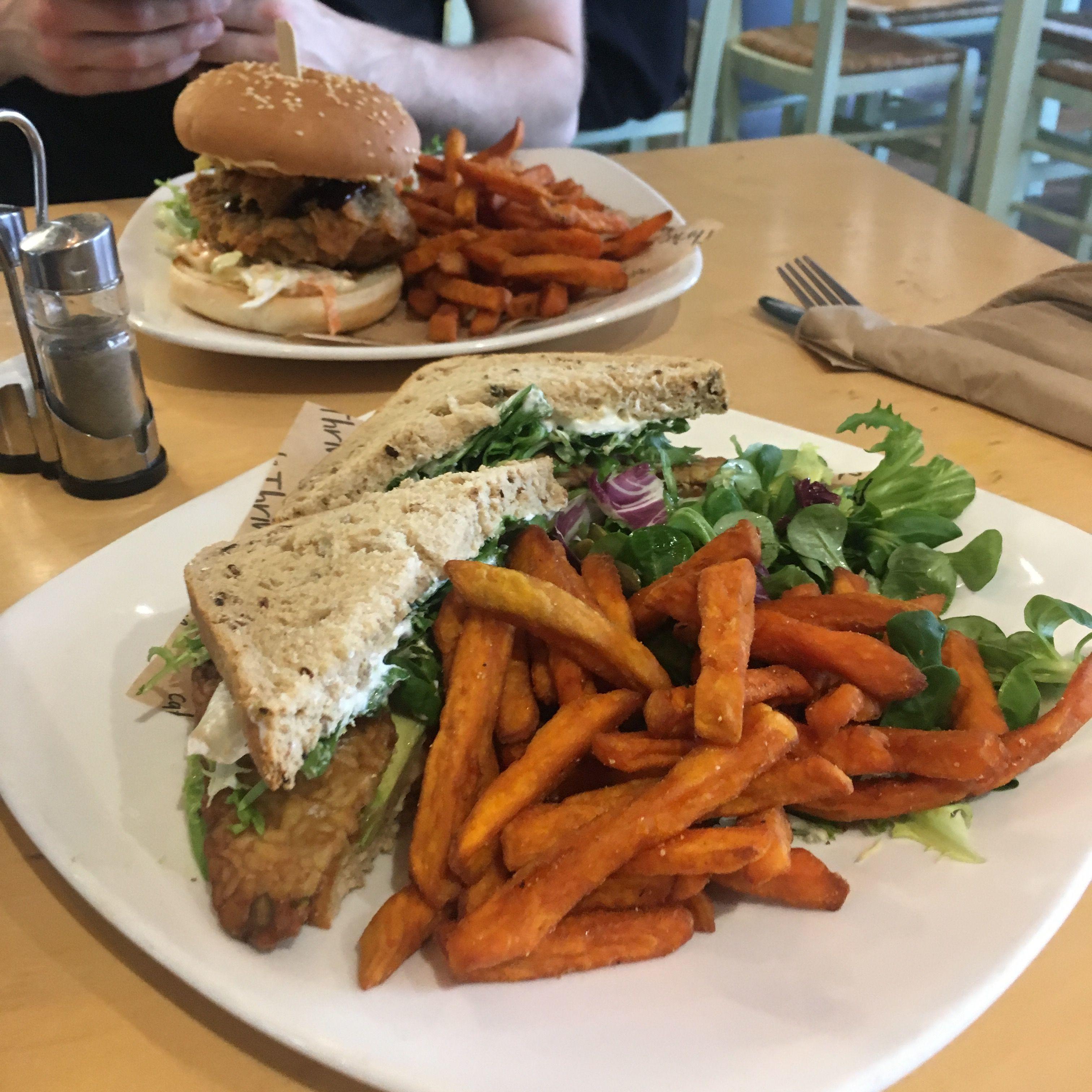 food at Cafe Thrive