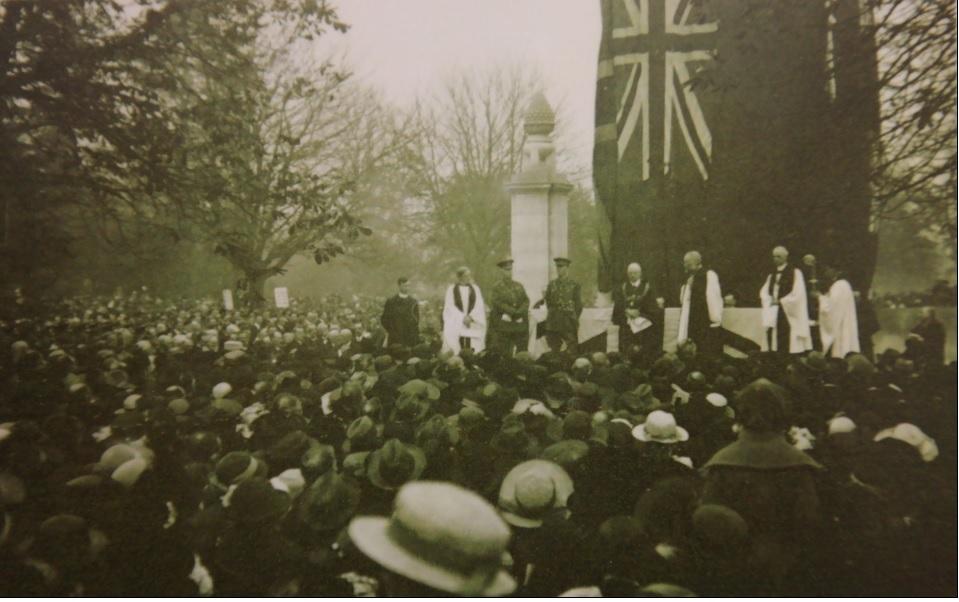 Cenotaph unveiled 1920