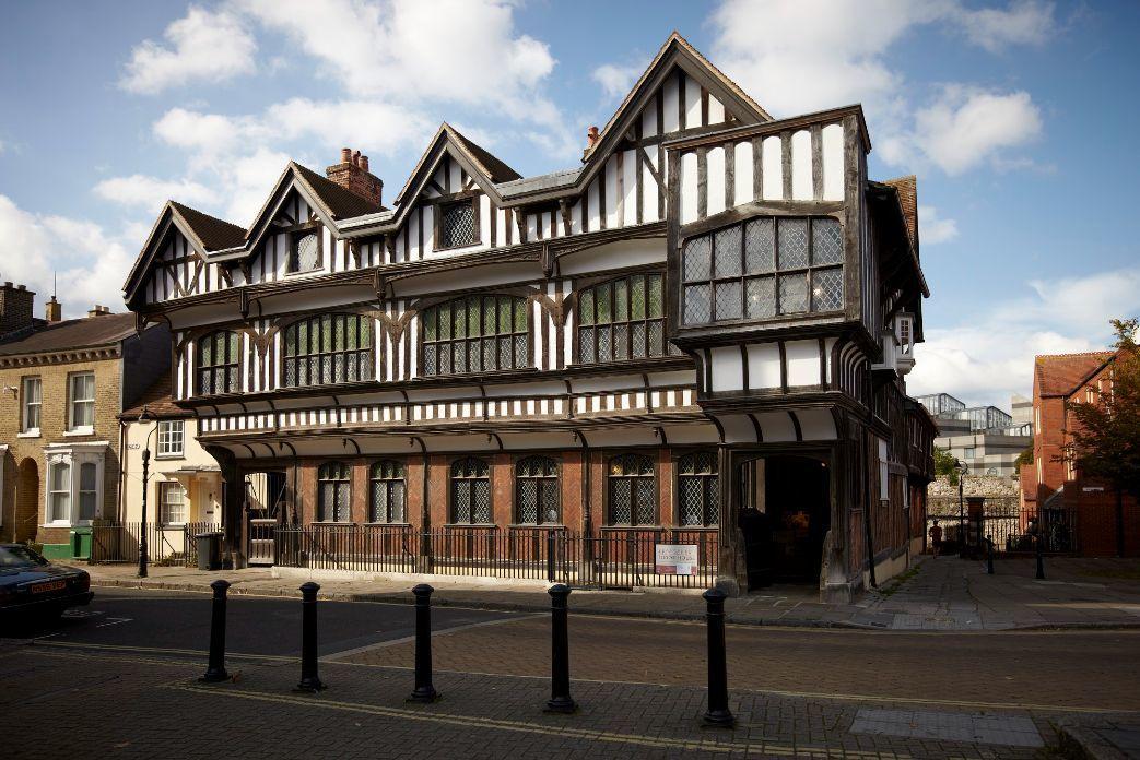 3 Tudor House and Garden