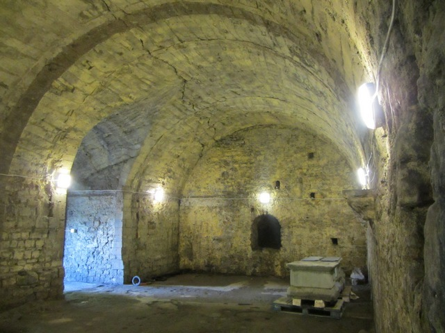 Castle Vault 640x480